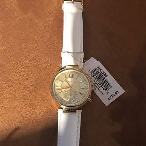 MK WATCH NEVER WEAR? Brand new with tags